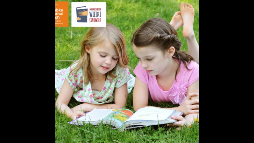 Obrazek przedstawia dzieci czytające książkę oraz logo Mała Książka Wielki Człowiek